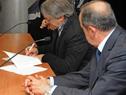 Convenio firmado por el secretario nacional del Deporte, Fernando Cáceres, y el secretario nacional de Antilavado de Activos, Mario Espinosa