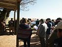 Visita de autoridades de Colonización al emprendimiento en que trabajan 19 productores en 737 hectáreas del organismo