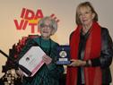 Reconocimiento del Ministerio de Educación y Cultura a la poetisa Ida Vitale