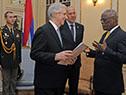 Tabaré Vázquez recibe carta credencial por parte del embajador de Israel, Yoed Magen