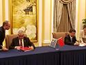 Ministro de Ganadería, Agricultura y Pesca, Enzo Benech, junto al ministro de Aduanas chino, Ni Yuefeng
