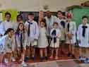 Autoridades y personal del Programa de Salud Visua, junto a escolares beneficiarios