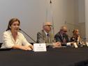 Lucía Delgado, del Fondo Nacional de Recursos, haciendo uso de la palabra