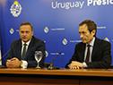 Secretario de Presidencia, Álvaro Delgado, y secretario de Asuntos Estratégicos de Argentina, Gustavo Beliz, en conferencia de prensa