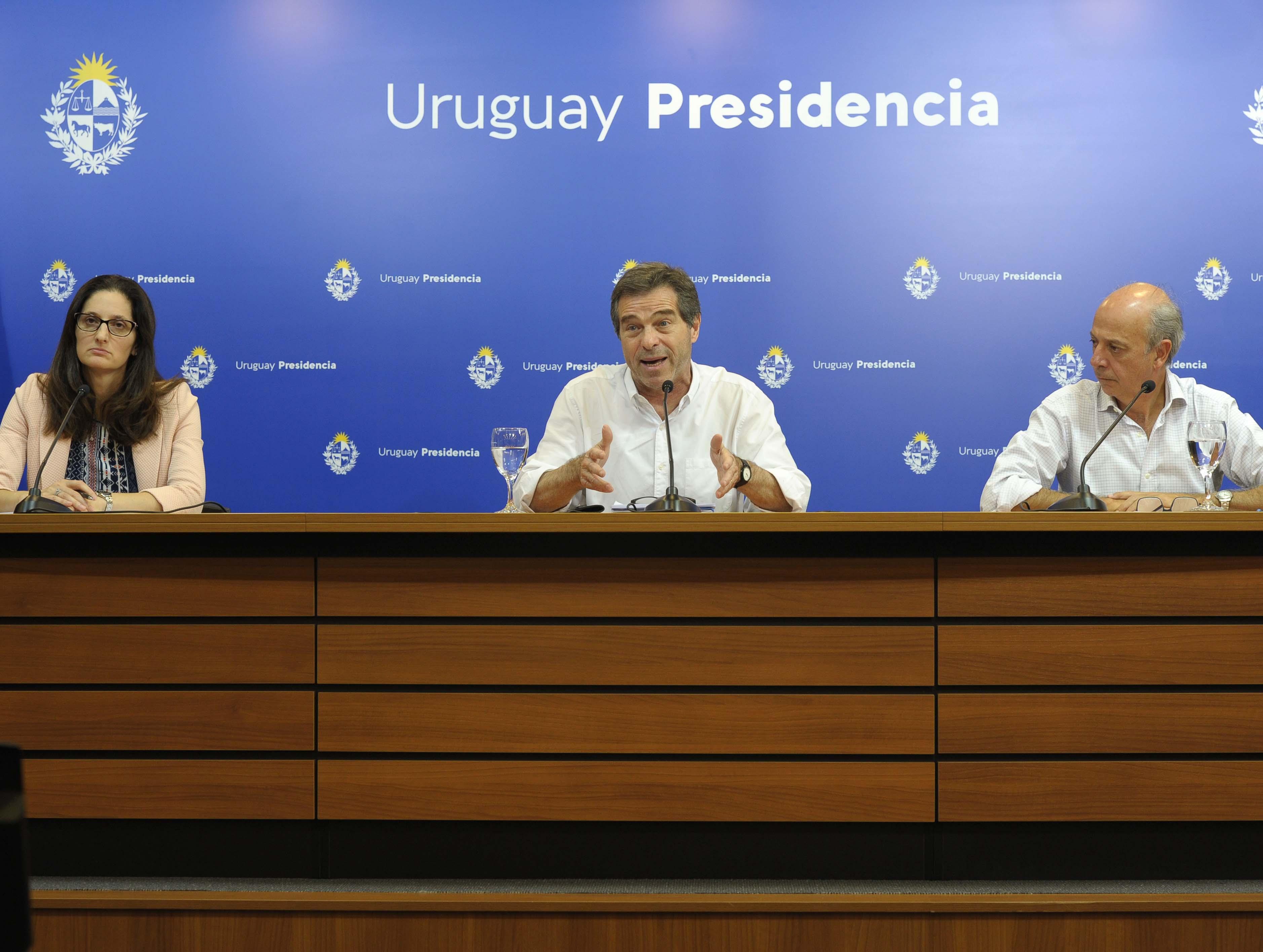 Directora de Protocolo de la Cancillería, Flavia Pisani, canciller Ernesto Talvi y ministro de Defensa, Javier García
