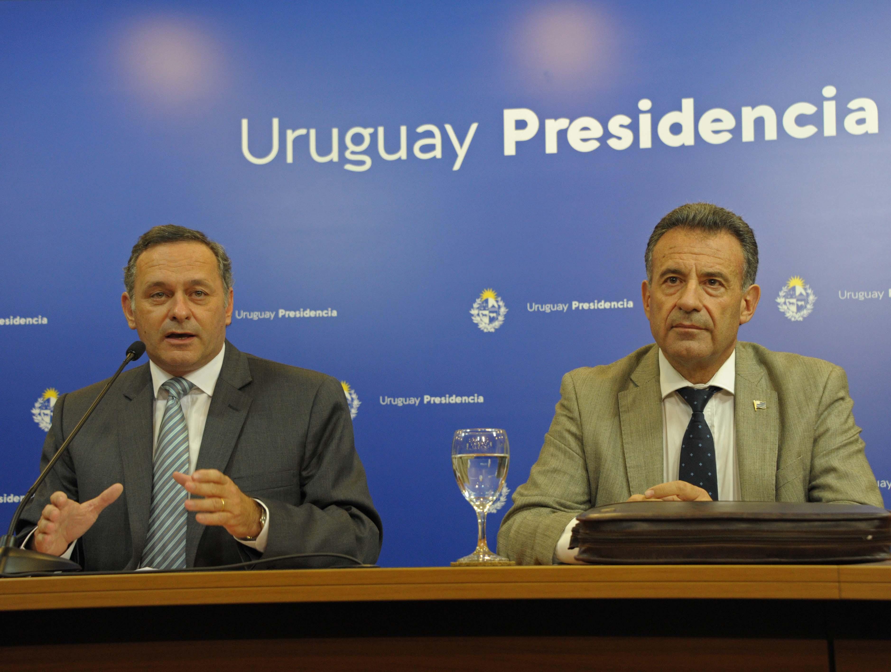 Secretario de Presidencia, Álvaro Delgado, y ministro de Salud Púbica, Daniel Salinas