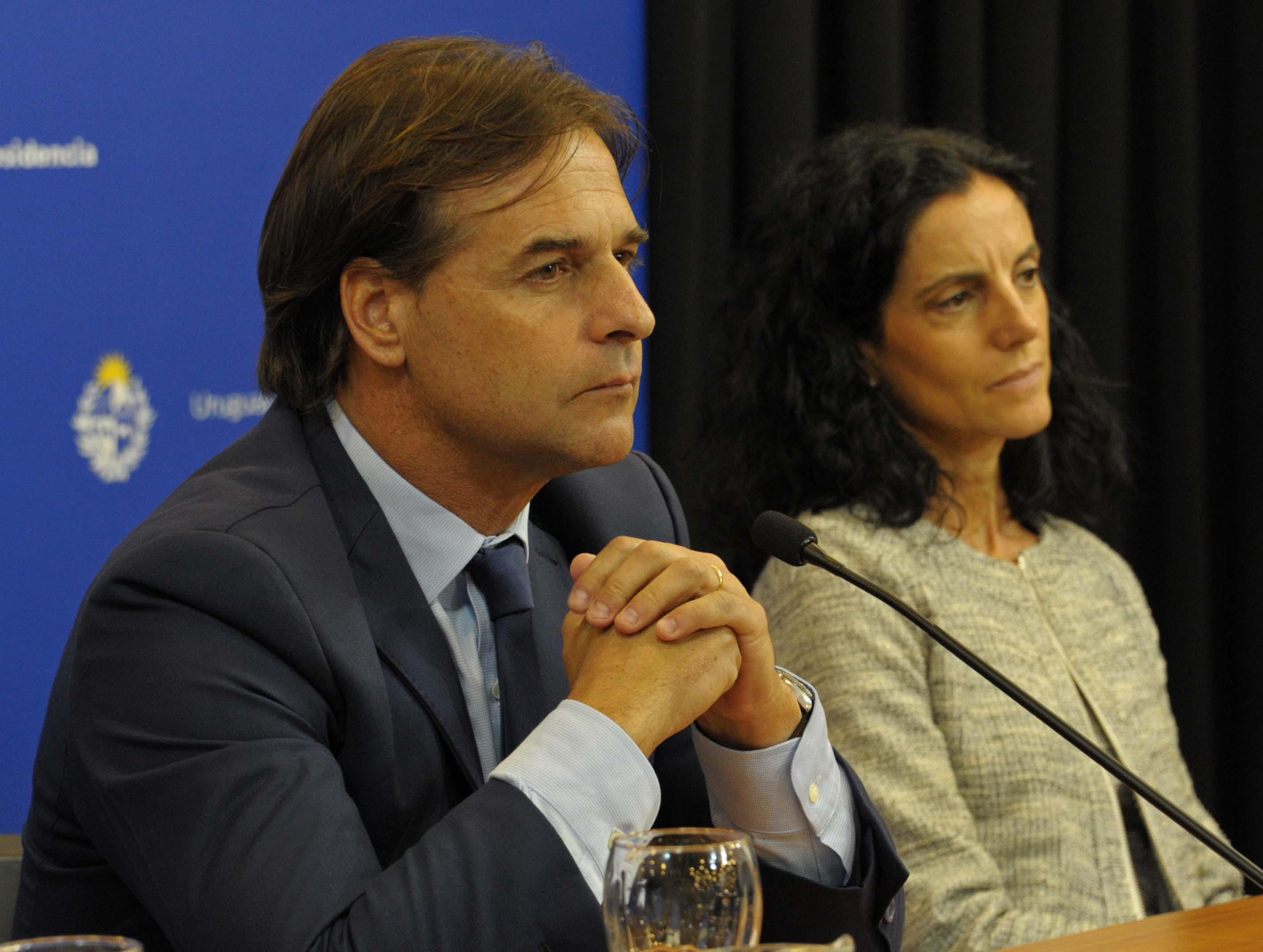 Presidente Luis Lacalle Pou encabezó conferencia de prensa junto a ministros Daniel Salinas, Pablo Bartol, Azucena Arbeleche y Pablo Mieres