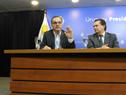 Ministro de Desarrollo Social, Pablo Bartol, y prosecretario de Presidencia, Rodrigo Ferrés