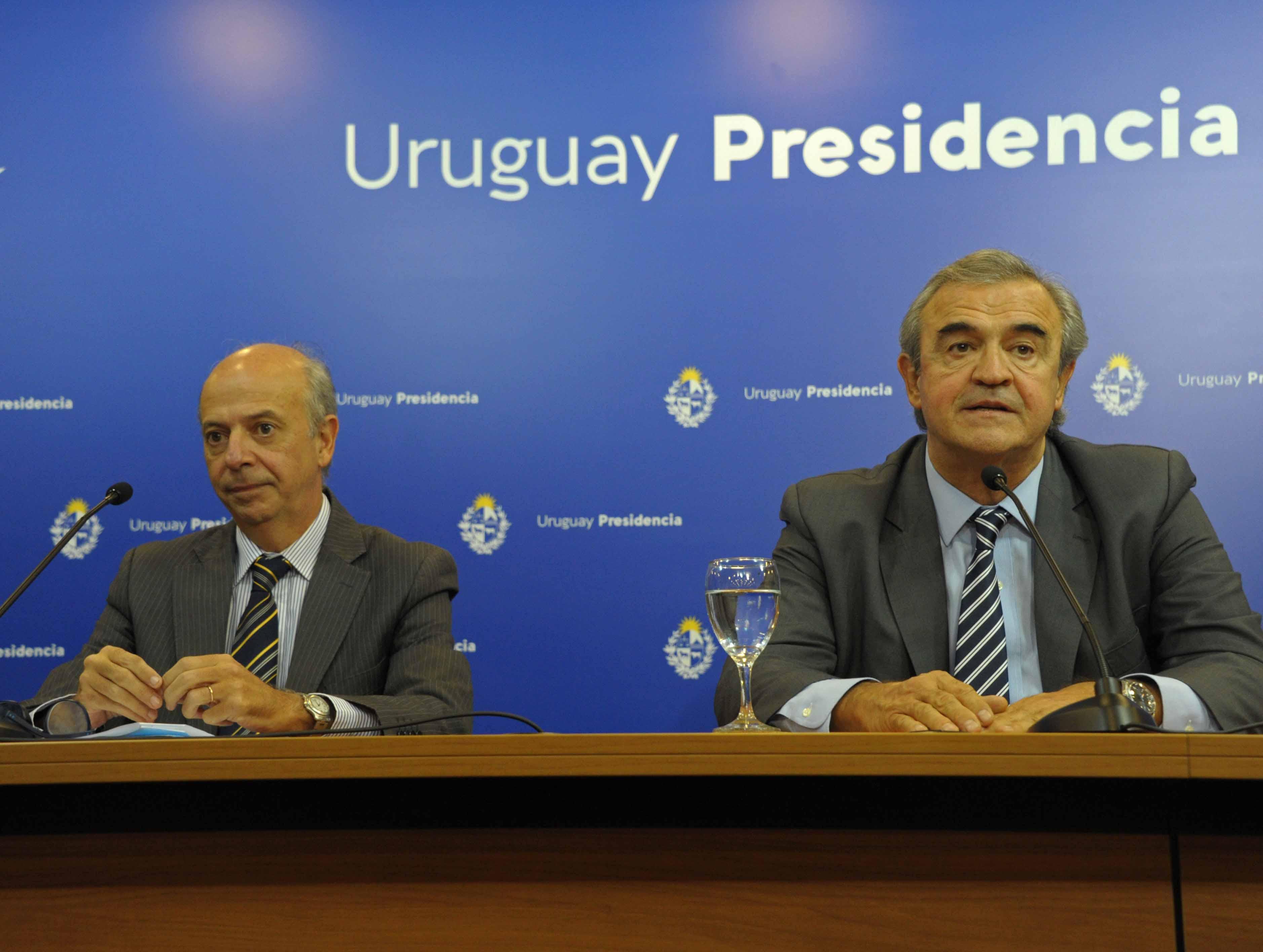 Ministro de Defensa Nacional, Javier García, y ministro del Interior, Jorge Larrañaga