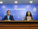 Presidente Luis Lacalle Pou, ministra de Economía y Finanzas, Azucena Arbeleche, y ministro de Trabajo y Seguridad Social, Pablo Mieres