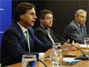 Presidente de la República, Luis Lacalle Pou, Leonardo Cipriani, presidente de ASSE, y Robert Silva, presidente de Codicen de ANEP