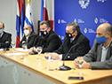 Secretario de Presidencia de la República, Álvaro Delgado, encabezó conferencia de prensa para anunciar firma del protocolo con el sector comercial