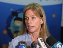 Titular del movimiento Unidos para Ayudar, Lorena Ponce de León, realizando declaraciones a la prensa