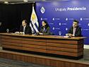 Director de ONSC, Conrado Ramos; ministra de Economía, Azucena Arbeleche, y director de OPP, Isaac Alfie