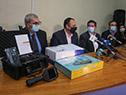 Autoridades junto a equipos donados al hospital de Salto