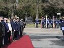 Presidente Luis Lacalle Pou, ministro de Defensa Nacional, Javier García, y vicepresidenta, Beatriz Argimón, encabezan el homenaje