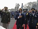 Presidente Luis Lacalle Pou en homenaje a los mártires de la Aviación Militar, en el panteón de la Fuerza Aérea en el Cementerio del Norte