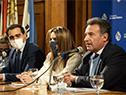 Ministro de Salud Pública, Daniel Salinas, haciendo uso de la palabra