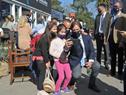 Presidente Luis Lacalle Pou junto a visitantes en la Expo Prado 2020
