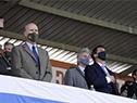 Autoridades entonan el himno nacional