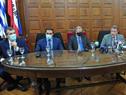 Autoridades del Ministerio de Salud Pública y de la Intendencia de Colonia durante la conferefencia de prensa