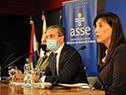 Autoridades en firma de acuerdo entre ASSE y el BPS