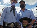 Presidente Luis Lacalle Pou con pobladores de Las Chircas