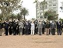 Autoridades presentes entonan el himno nacional