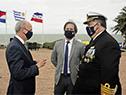 Presidente de la República, Luis Lacalle Pou junto al ministro de Defensa, Javier García, y comandante en jefe de la Armada Nacional, Jorge Wilson