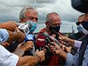 Luis Alberto Heber dialoga con la prensa