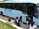 Escolares llegan a la Colonia de Vacaciones para participar del acto de cierre del programa Escuelas de Verano 2021