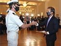Lacalle Pou entrega al personal de la Prefectura los diplomas al valor por hechos destacados