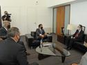 Presidente Luis Lacalle Pou, embajador de China, Wang Gang, secretario de Presidencia, Álvaro Delgado y canciller Francisco Bustillo