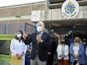 Presidente de ANEP, Robert Silva hace uso de la palabra en inicio de clase en la Escuela N.° 38