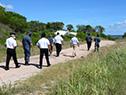 Autoridades encabezada por el ministro Javier García recorren predio en Fray Bentos donde se instalará una base de la Armada