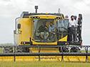 Lacalle Pou inaugurando cosecha de arroz