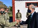 Visita del titular del Ministerio de Defensa Nacional, Javier García, al Regimiento de Caballería n.° 4