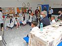 Presidente de ANEP, Robert Silva, durante su vista a la escuela rural n.° 58, Aguas Blancas