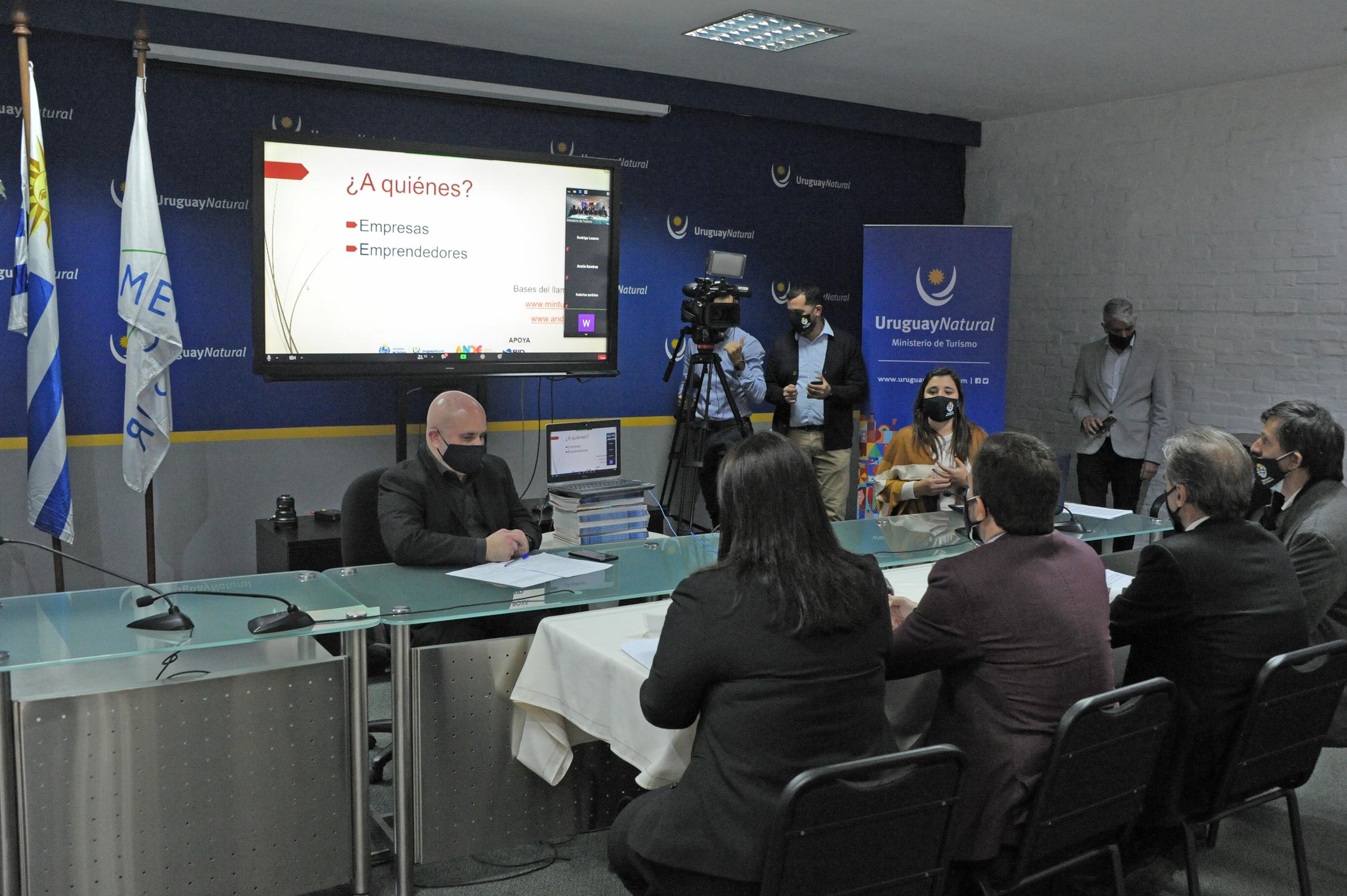 Ministro de Turismo, Germán Cardoso, encabezó firma de acuerdo de Mintur con ANDE por el lanzamiento de Fondos Concursables
