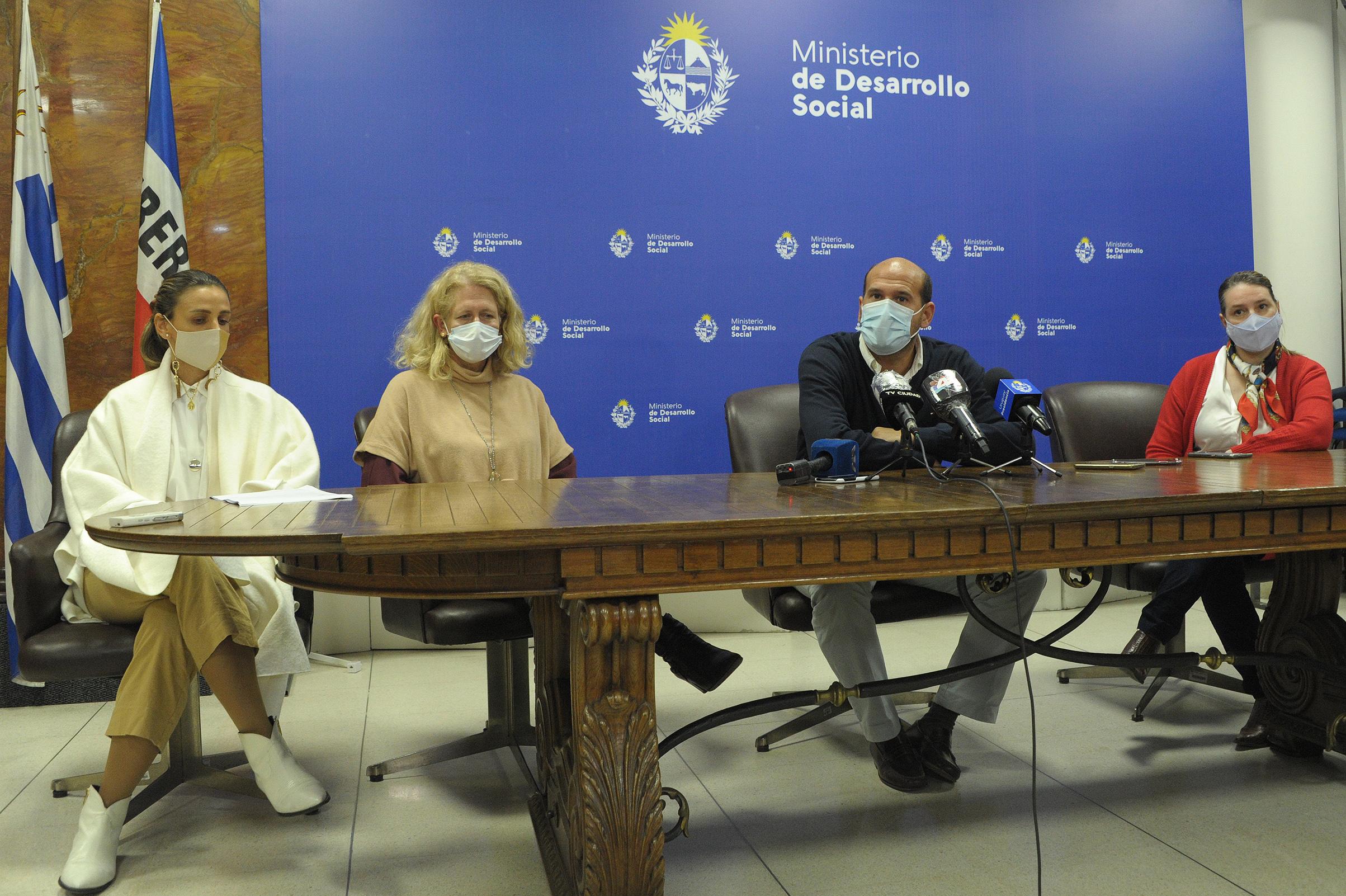 Ministro de Desarrollo Social, Martín Lema, encabezó conferencia de prensa