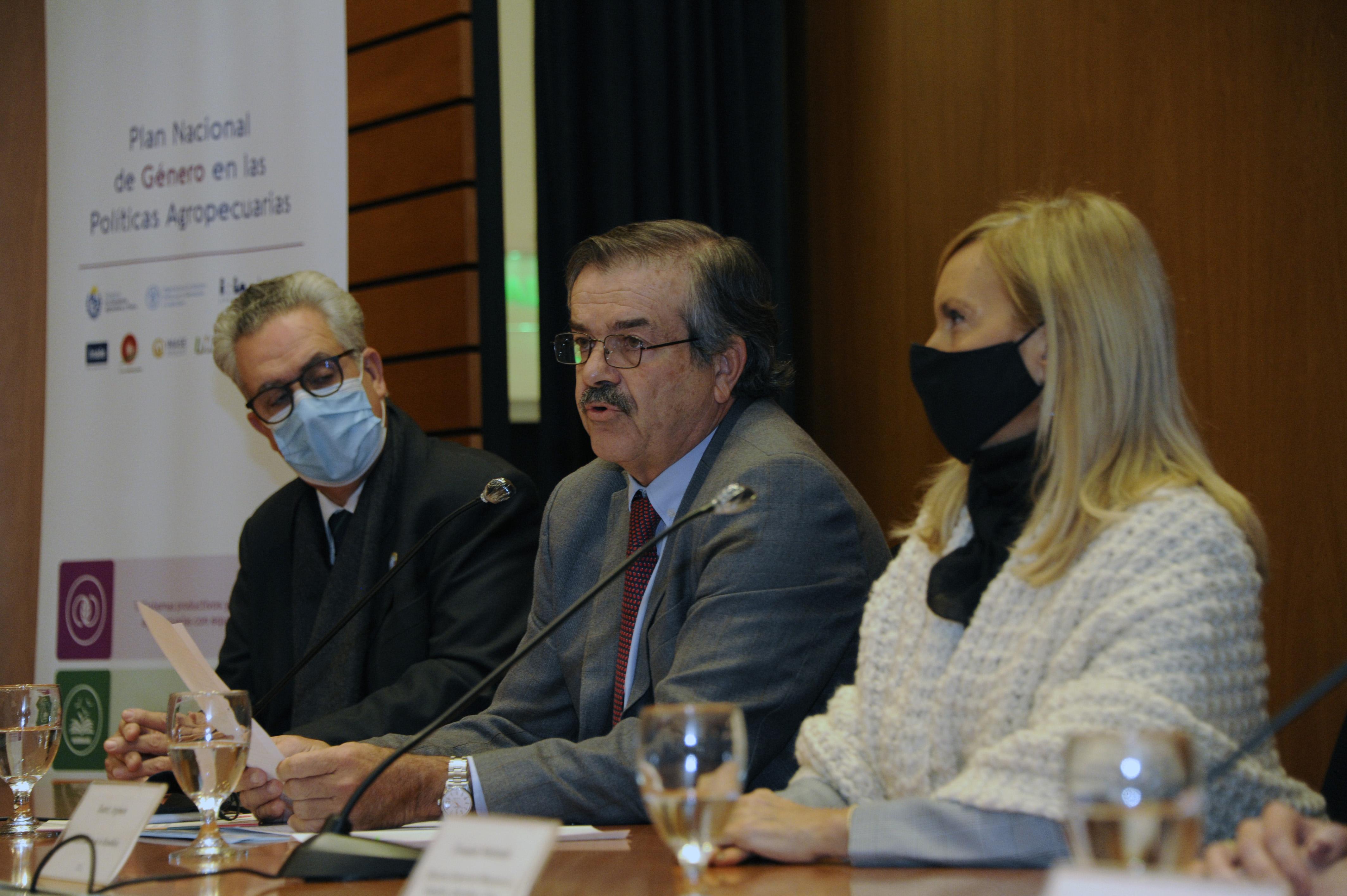 Vicente Plata, Carlos María Uriarte y Beatriz Argimón