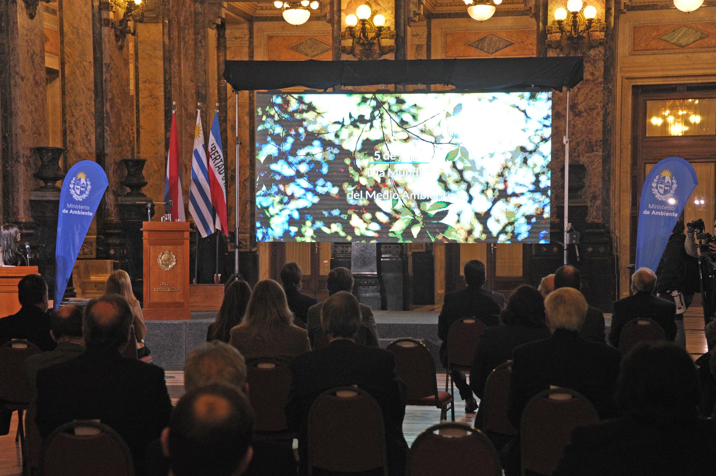 Ceremonia de entrega de premios a proyectos que contribuyen al cuidado del medio ambiente