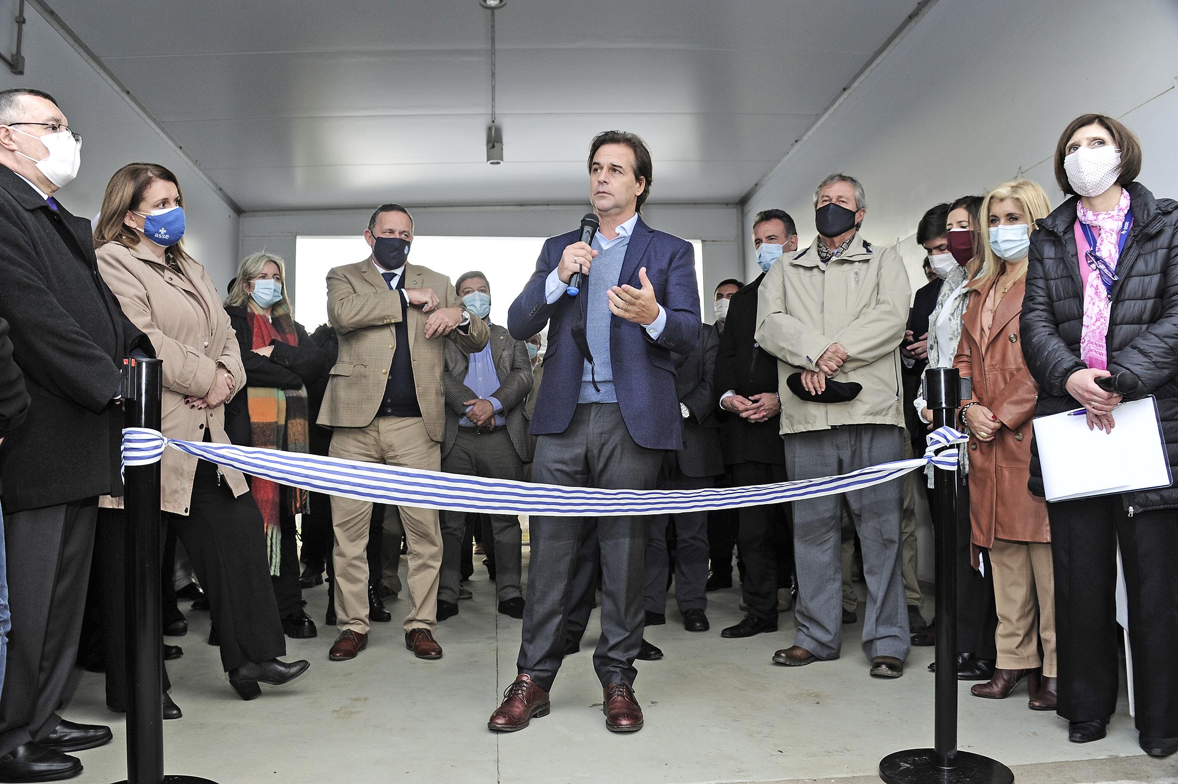 Presidente de la República, Luis Lacalle Pou, en inauguración de policlínica de ASSE en La Capuera, Maldonado