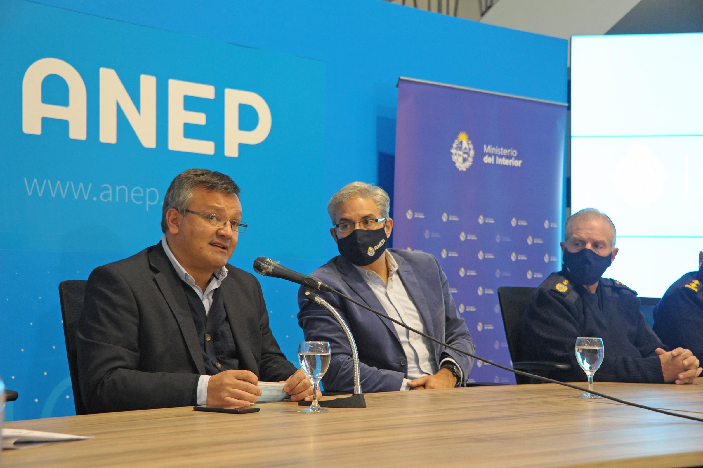 Conferencia en el marco de la firma de convenio entre ANEP, Ministerio del Interior, INR y OSLA