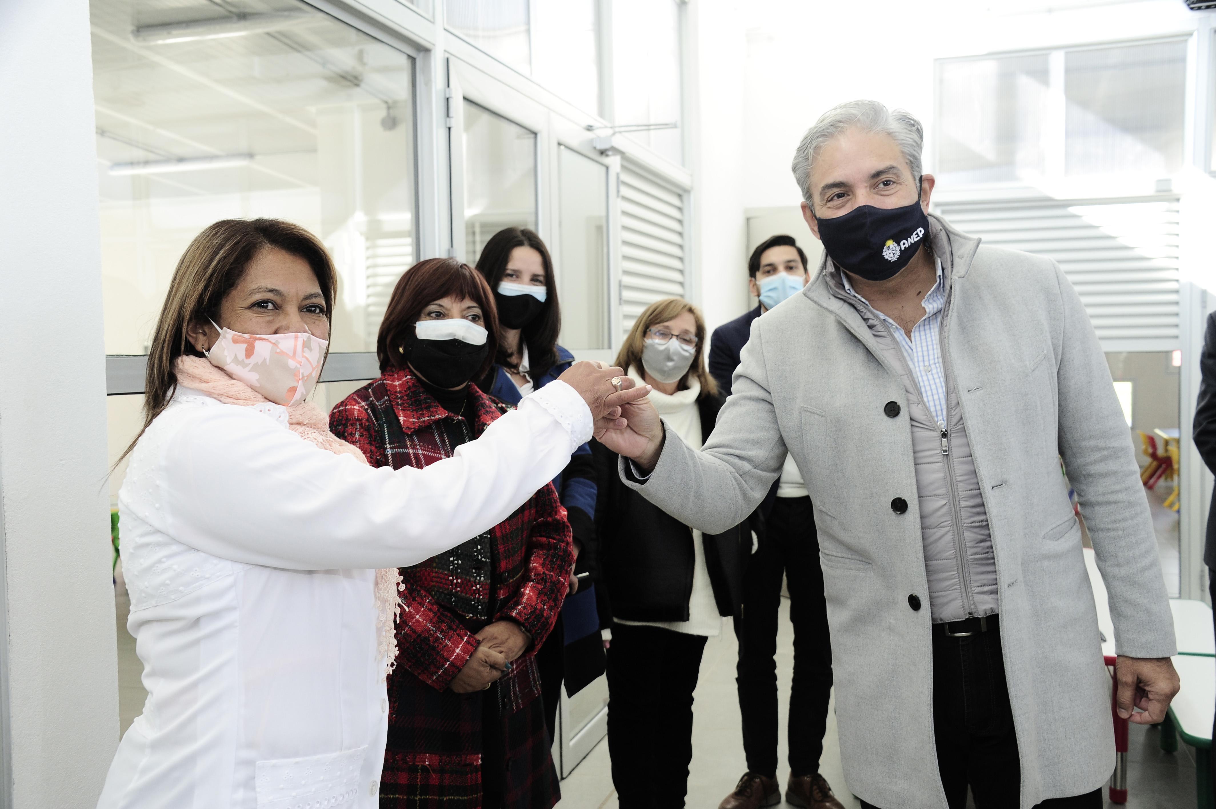 Autoridades de ANEP reciben llaves de obras de infraestructura del jardín de infantes n.° 122 de Ciudad del Plata